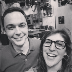 Mayim and Jim in front of the Apartment 4A set.