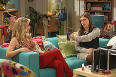 TBBT 6x03 Penny and Amy 2