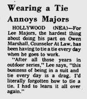Lee dislikes neckties
