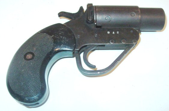 File:Royal-air-force-flare-gun-1-.jpg
