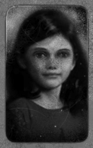 File:Masha Lutz Portrait.png