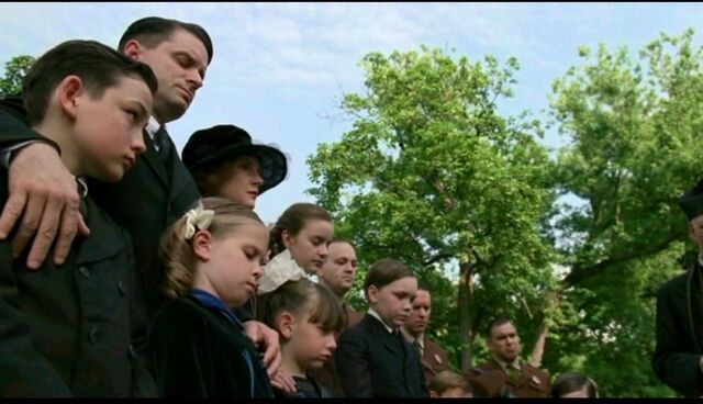 File:Boardwalk Empire - Episode 9 - Funeral.jpg