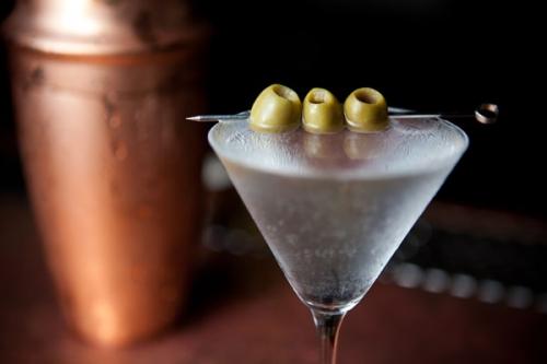 File:Dry-martini.jpg