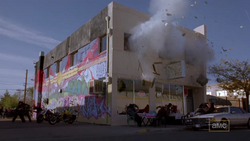 1x06 - Crazy Handful of Nothin' 11