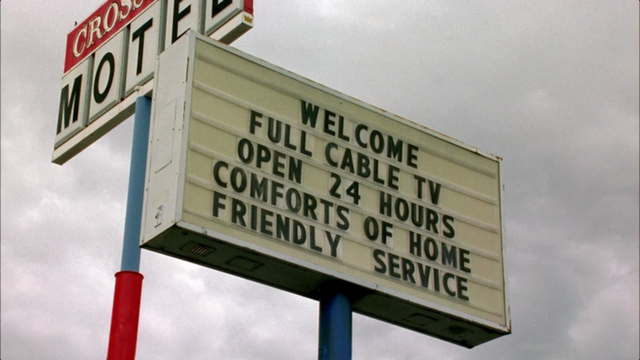 File:Crossroads motel sign.png