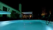 2x12 - White House Pool