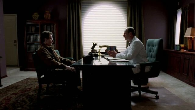 File:1x01 - At the doctor.jpg