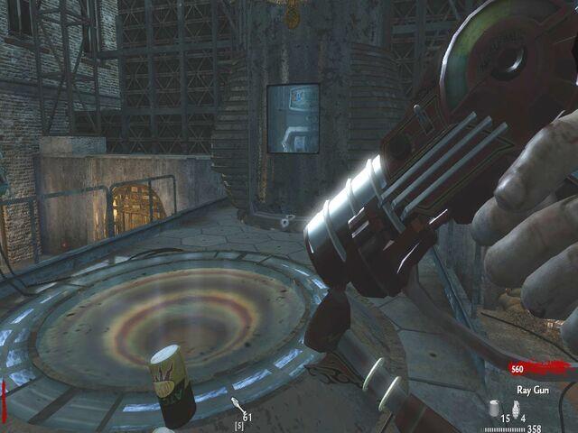 File:Ray Gun reloading WaW.jpg