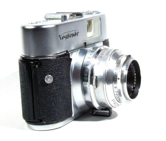 File:Voigtländer Vito B 04.JPG