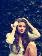 Beautiful-beauty-brown-brunette-curls-Favim.com-306477