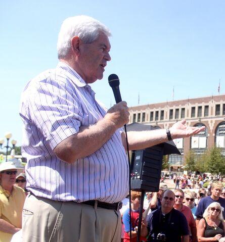 File:Newt Gingrich 12 August 2011 Des Moines, Iowa.jpg