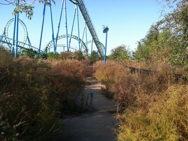 File:Jester coaster entrance.jpg