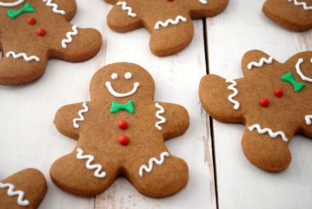 File:Gingerbreadcookies.jpg