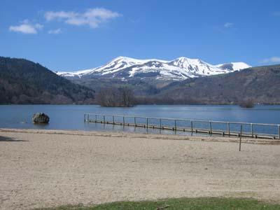 File:Lac chambon.jpg