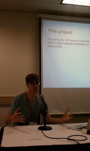 File:Steven presenting on templates.jpg