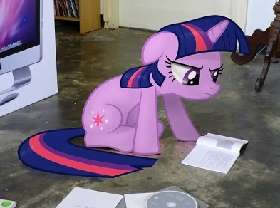 File:Twilight putting together Macintosh computer (cropped).jpg