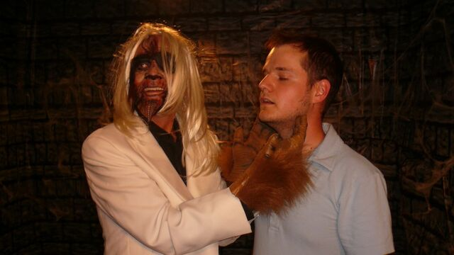 File:CTOS Halloween KellyKubik (8).jpg