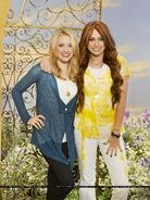 Miley-Stewart-Hannah-Montana-Forever-promoshoot-alex-of-wowp-vs-hannah-of-hm-15236876-1498-2000