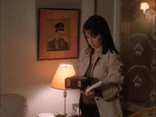 File:Charmed - Piper & Mark (19) recipes.jpg