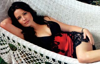 Holly marie combs 1