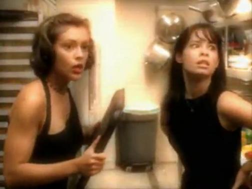 File:Phoebe & Piper (during Season 1 & 2).jpg