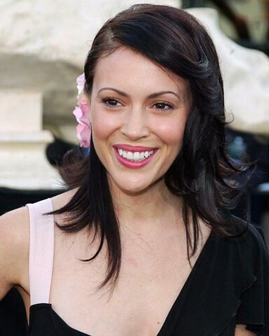 File:Milano-alyssa-photo-xl-alyssa-milano-6225972.jpg