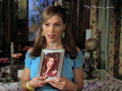 File:Phoebe0.jpg