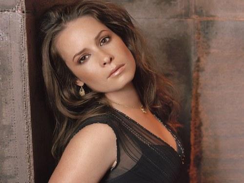 File:Piper In Season 8 Promo.jpg