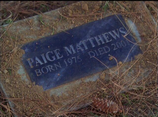 File:Paige Grave Stone.jpg