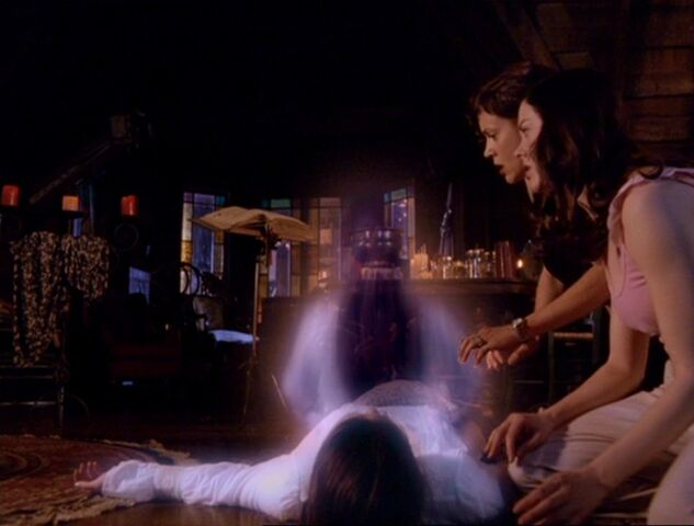 File:Piper's spirit emerges from her body.jpg