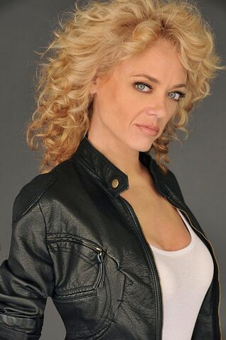 File:Lisa Robin Kelly.jpg