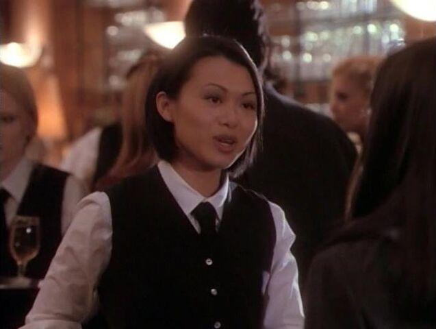 File:Quake-waitress.jpg