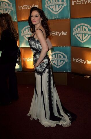 File:Style+Magazine+Warner+Bros+Studios+Golden+oVHFyAY4wQBl.jpg