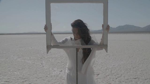 File:Demi Lovato - Skyscraper - Demi Lovato Wiki (30).png
