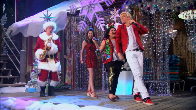File:Team Austin performs 'I Love Christmas'.png