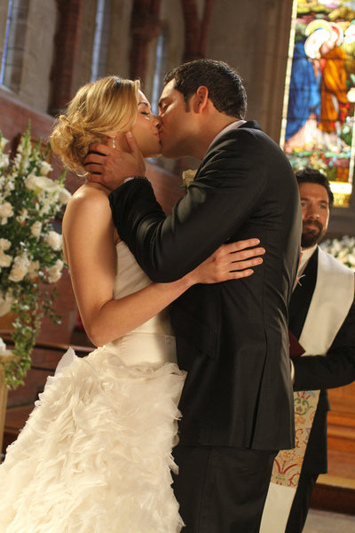 Chuck And Sarah S Wedding Chuck Wiki Fandom Powered By