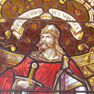 A window of Lerwick Town Hall portraying Harald Hardrada (which appears to be the basis for his in-game model)