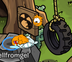File:Puffle and penguin differences.PNG