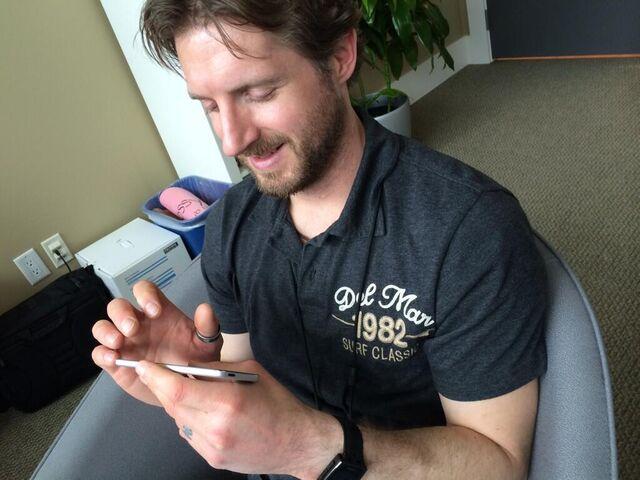 File:Goodtea playing CP on iPod.jpg