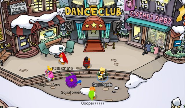 File:Play Now! Club Penguin - 2004-01-01 00.10.32.png