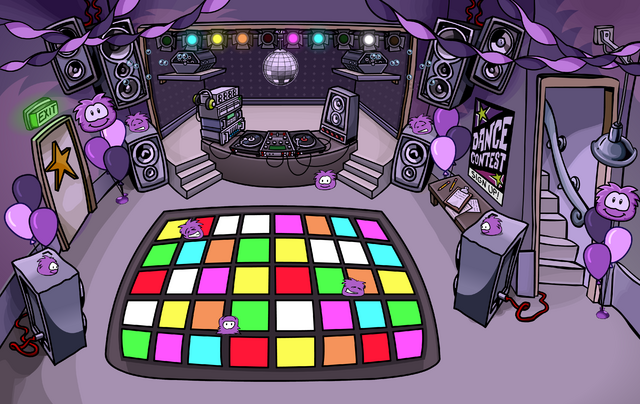 File:Puffle Party 2009 Night Club.png