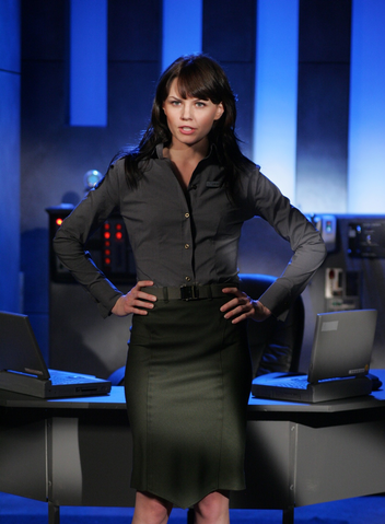 File:CNCTW Kirce James Uniform 2.png