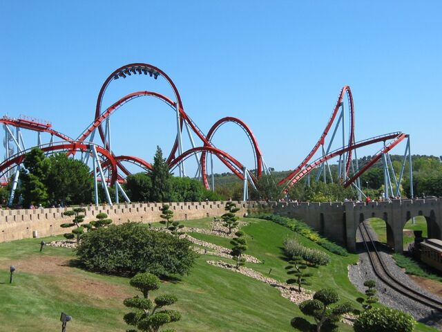 File:Port-aventura-dragon-khan.jpg