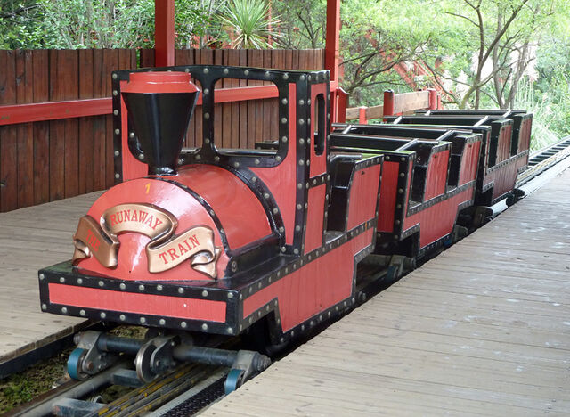 File:Runaway Mine Train Gold Reef City Train.jpg