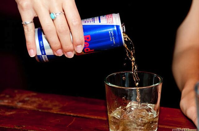 File:670px-Make-a-Red-Bull-and-Vodka-Step-3.jpg
