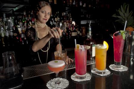 File:Bourbon-Branch.jpg