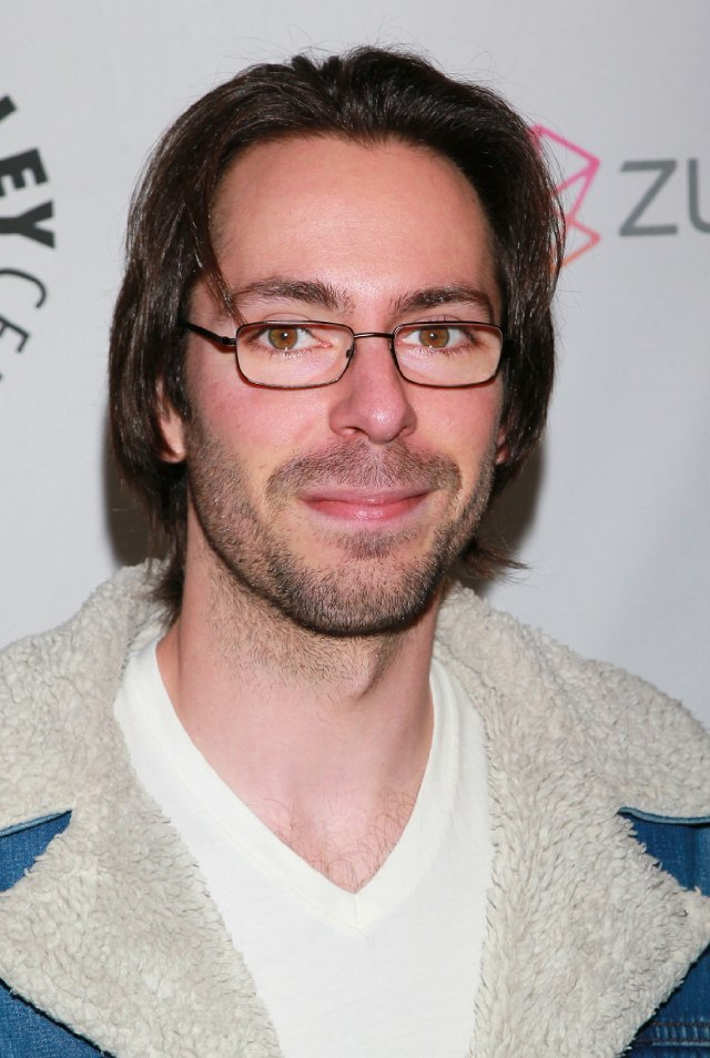 The 34-year old son of father im Schienle and mother Jean St. James, 185 cm tall Martin Starr in 2017 photo