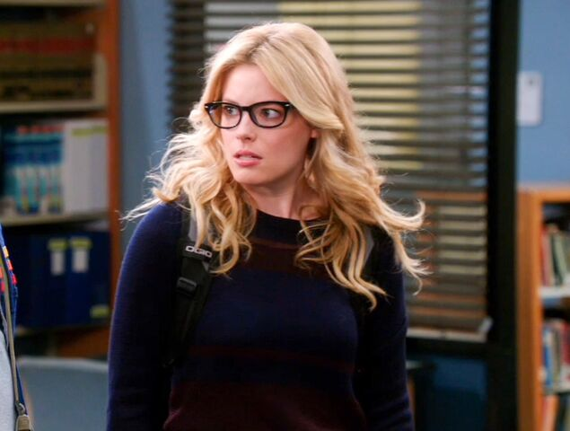 File:4x1 Britta glasses2.jpg