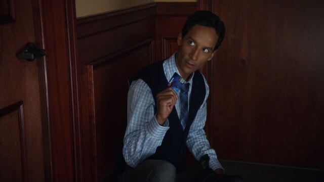 File:2x2 Abed credit card.jpg