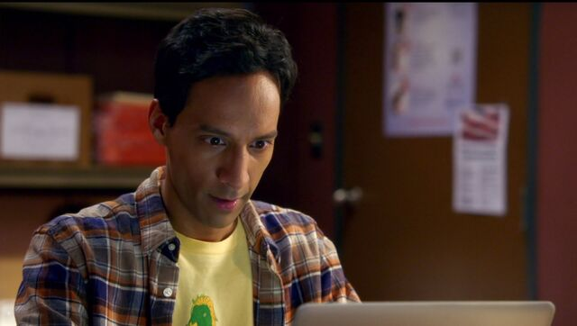 File:6x1 Abed work montage clothing 1.jpg